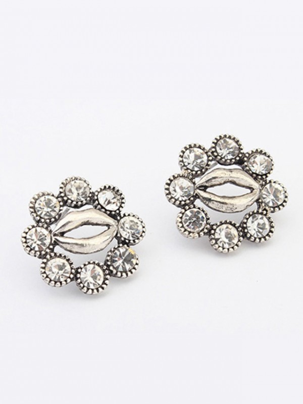 Oeste Metallic Personality Hyperbolic Lips Stud Venda imperdível Earrings